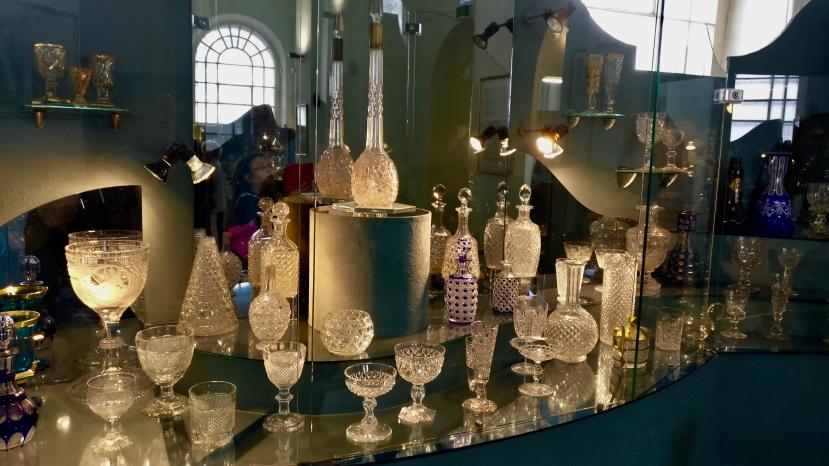 Vodonapornaya Bashnya Museum crystalware exhibition