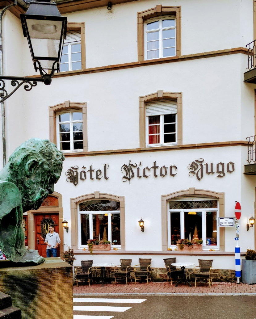 Victor Hugo bust and hotel